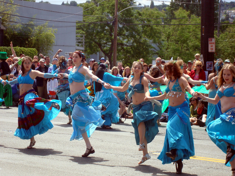 solstice parade belly dancers