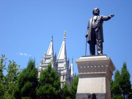 mormonstatue